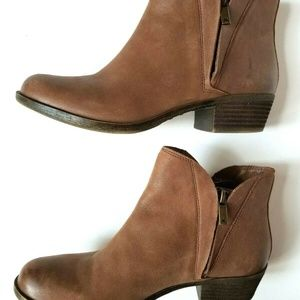 Lucky Brand Brenon Zip Ankle Boot Size 7.5-8 EUC!